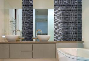 adelphi-interlock-raven-mosaic-scc-pic