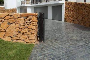 Bluestone_Brick_Pattern_Driveway